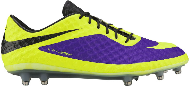 A chuteira Nike Hypervenom do Neymar