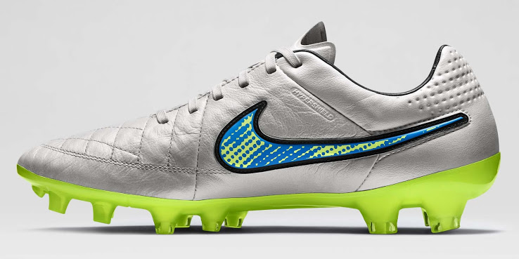 A nova chuteira Nike Tiempo Nike branca