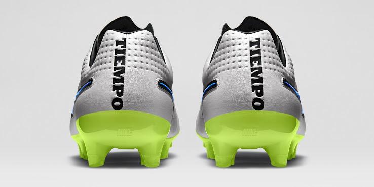 Detalhe do calcanhar da nova chuteira Nike Tiempo Nike branca