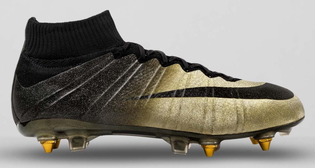 Detalhes da chuteira Nike Mercurial CR7 Rare Gold