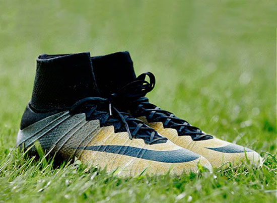 chuteira-nike-mercurial-superfly-cr7-rare-gold
