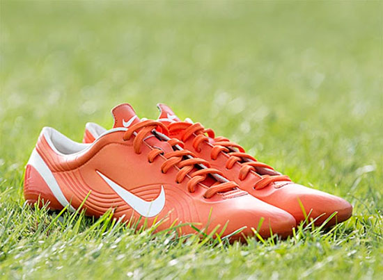 chuteira-nike-mercurial-vapor-shock-orange