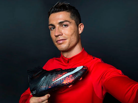 mercurial-savage-beauty-cristiano-ronaldo-2015-nike